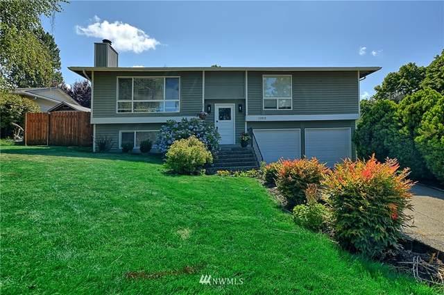 10912 158th Court NE, Redmond, WA 98052 (#1810614) :: Shook Home Group