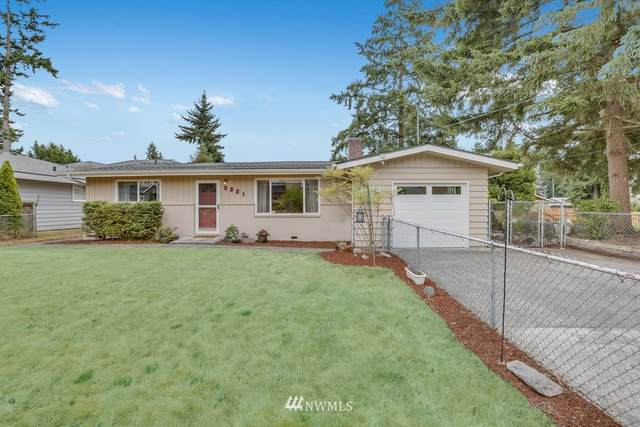 2221 NE 28th Street, Renton, WA 98056 (MLS #1811159) :: Community Real Estate Group