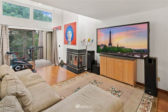 10819 NE 37th Place #332, Bellevue, WA 98004 (#1811257) :: Shook Home Group