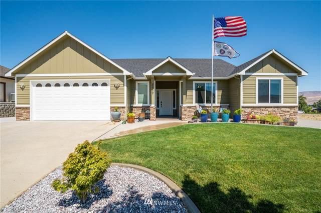 2102 Sage Grouse Road, Wenatchee, WA 98801 (#1811755) :: Canterwood Real Estate Team