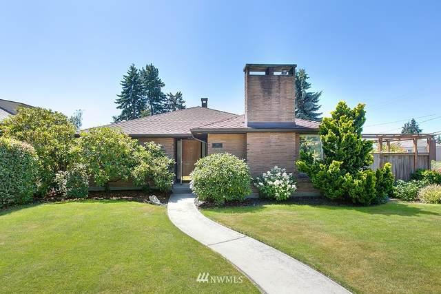 105 N 122nd Street, Seattle, WA 98133 (#1811768) :: Lucas Pinto Real Estate Group