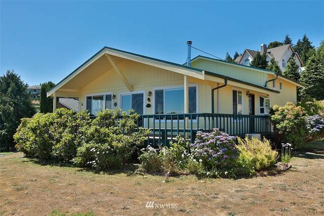 4652 Elsica Drive, Clinton, WA 98236 (#1812532) :: Front Street Realty