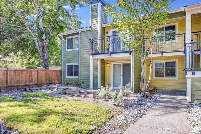 12607 SE 41st Place H101, Bellevue, WA 98006 (#1813386) :: Alchemy Real Estate