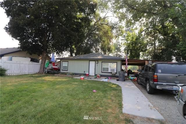 209 Juniper Street, Oroville, WA 98844 (#1813431) :: Stan Giske