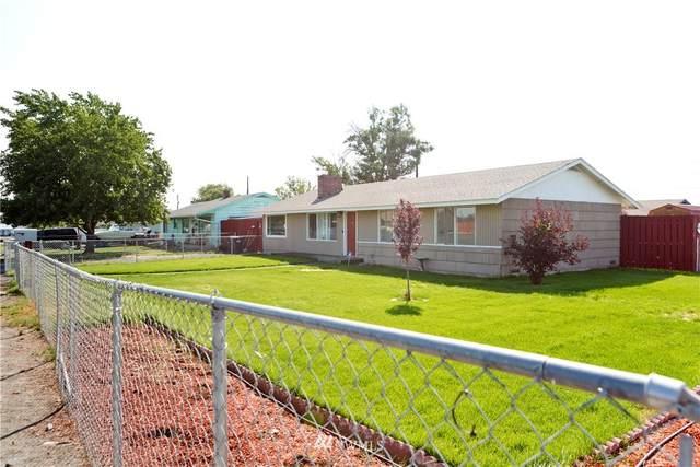 305 N Earl Road, Moses Lake, WA 98837 (#1813730) :: Northwest Home Team Realty, LLC