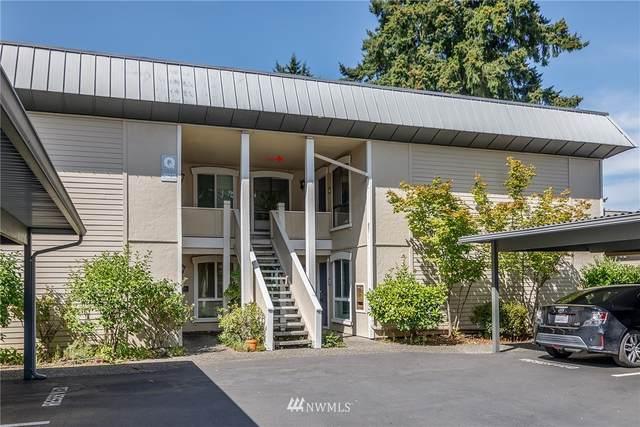 10218 NE 16th Street Q4, Bellevue, WA 98004 (#1814329) :: My Puget Sound Homes