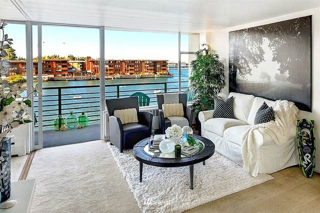 2040 43rd Avenue E #206, Seattle, WA 98112 (#1815265) :: Simmi Real Estate