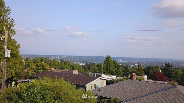 70 Xx    S. 129th Place, Seattle, WA 98178 (#1815650) :: Lucas Pinto Real Estate Group
