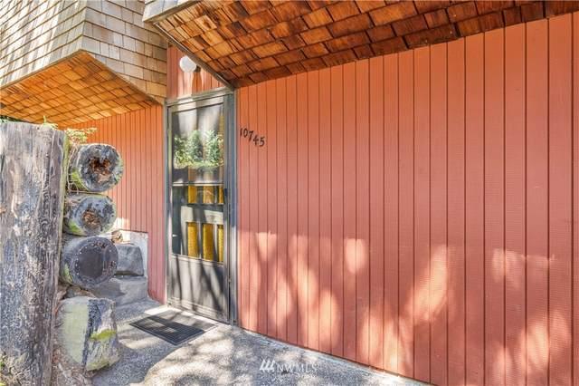 10745 Burke Avenue N, Seattle, WA 98133 (#1815850) :: Urban Seattle Broker