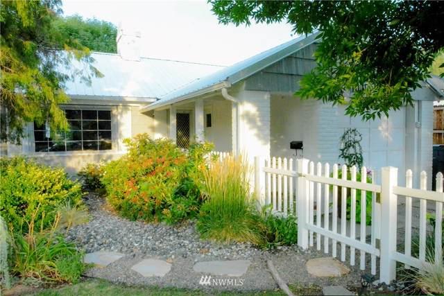 1015 S Monroe Street, Wenatchee, WA 98801 (#1815888) :: Northwest Home Team Realty, LLC