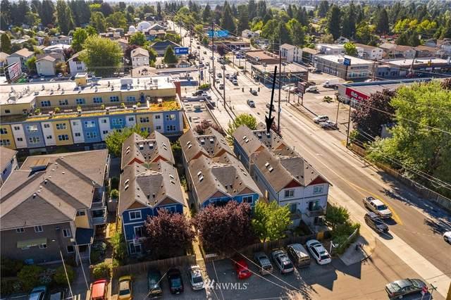 1002 N 105th Street A, Seattle, WA 98133 (#1815917) :: NW Homeseekers