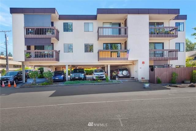 2121 SW 152nd Street #202, Burien, WA 98166 (#1816136) :: Pickett Street Properties