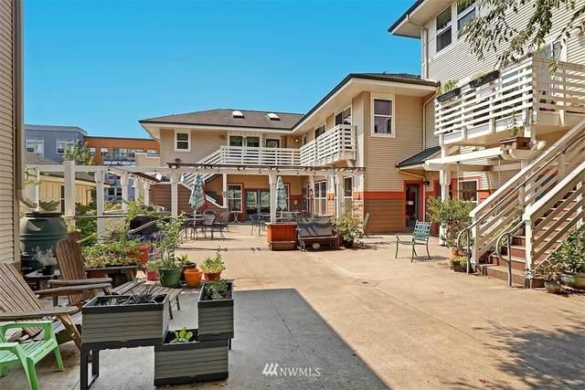 800 Hiawatha Place S F, Seattle, WA 98144 (#1816395) :: Stan Giske