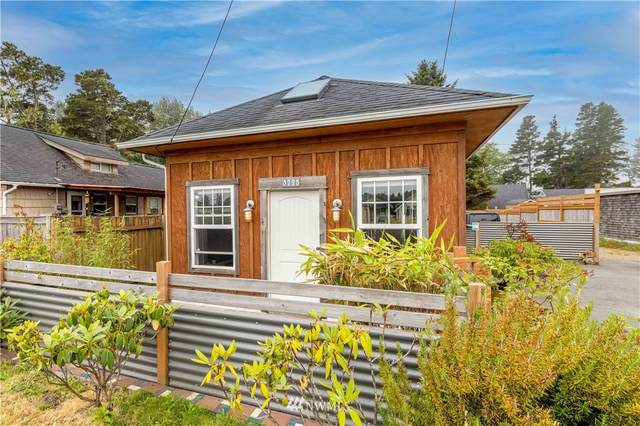 3725 Pacific Way, Seaview, WA 98644 (#1816572) :: Pickett Street Properties