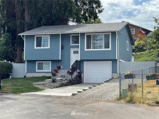 2422 155 Court E, Tacoma, WA 98445 (#1816628) :: Ben Kinney Real Estate Team