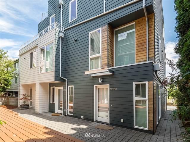 3216 21st Avenue W A, Seattle, WA 98199 (#1816648) :: Lucas Pinto Real Estate Group
