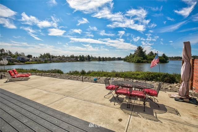 398 Eagle Nest Court SE, Ocean Shores, WA 98569 (#1816975) :: Ben Kinney Real Estate Team