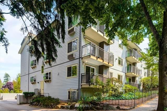 9800 Roosevelt Way NE #11, Seattle, WA 98115 (#1817754) :: Stan Giske