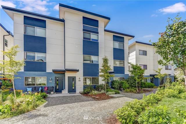 4246 S Greenbelt Station Drive, Seattle, WA 98118 (#1820836) :: Pacific Partners @ Greene Realty