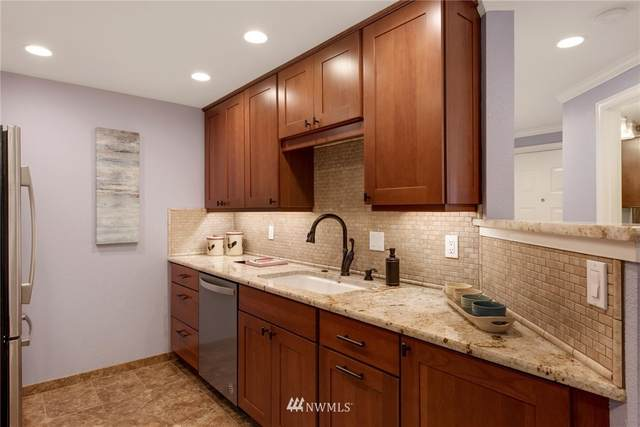 8226 126th Avenue NE A22, Kirkland, WA 98033 (#1826302) :: The Shiflett Group