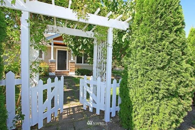 691 16th Avenue W, Kirkland, WA 98033 (#1827924) :: McAuley Homes