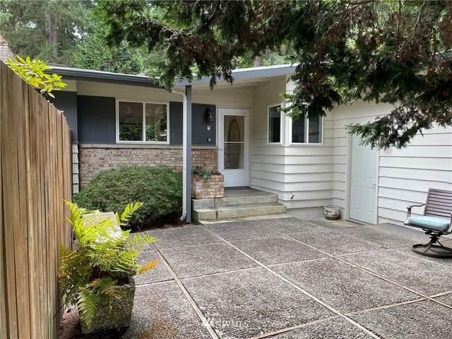 15741 SE 26th Street, Bellevue, WA 98008 (#1829090) :: Stan Giske