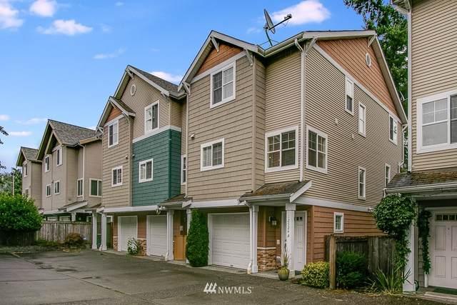 12524 26th Avenue NE A, Seattle, WA 98125 (#1829757) :: Stan Giske