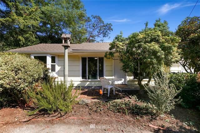 13710 30th Avenue NE, Seattle, WA 98125 (#1832235) :: Ben Kinney Real Estate Team