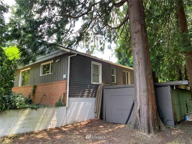 11781 Sand Point Way NE, Seattle, WA 98125 (#1832440) :: Franklin Home Team