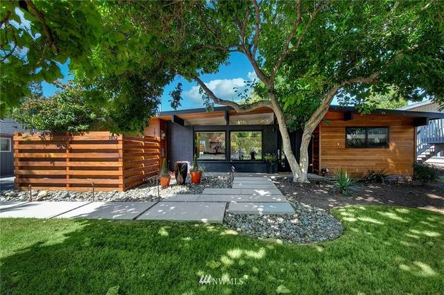 1812 NW 202nd Street, Shoreline, WA 98177 (#1832985) :: The Snow Group