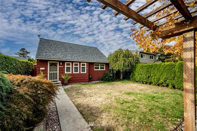 3827 48th Avenue SW, Seattle, WA 98116 (#1833393) :: Ben Kinney Real Estate Team