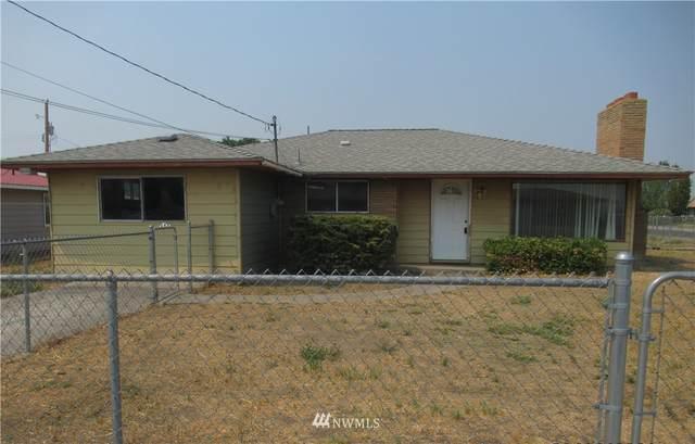 2404 W Lakeside Drive, Moses Lake, WA 98837 (#1835214) :: Icon Real Estate Group