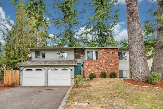 24916 Lake Wilderness Country Club Drive SE, Maple Valley, WA 98038 (#1835266) :: Keller Williams Western Realty