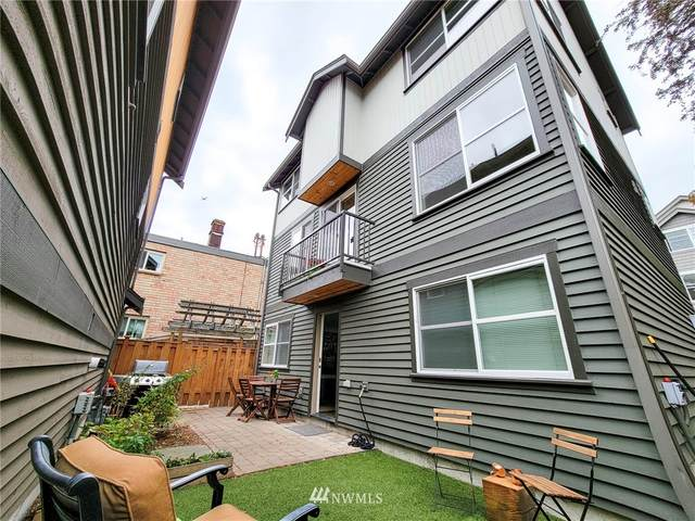 1209 Aurora Avenue N, Seattle, WA 98109 (#1836416) :: Simmi Real Estate