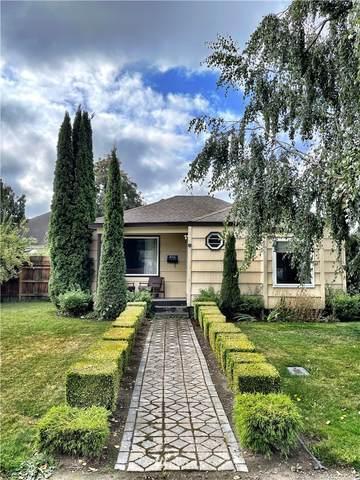 816 E Victoria Avenue, Burlington, WA 98233 (#1836639) :: Keller Williams Western Realty