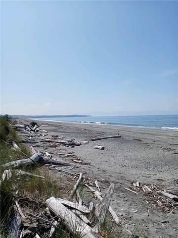 4693 Surfcrest Drive, Oak Harbor, WA 98277 (#1838459) :: Better Properties Real Estate