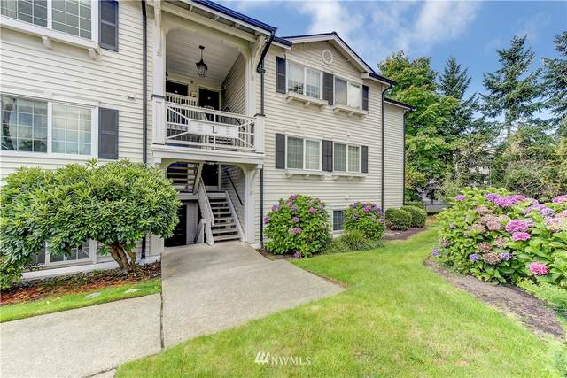 12404 E Gibson Road L305, Everett, WA 98204 (#1838574) :: Keller Williams Western Realty