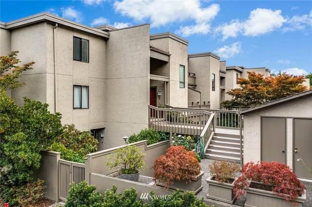 6568 Park Point Lane NE, Seattle, WA 98115 (#1839636) :: Stan Giske