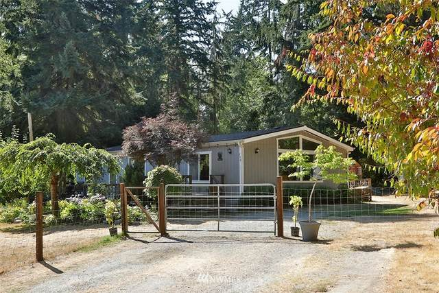 720 Twin View Drive, Greenbank, WA 98253 (MLS #1839721) :: Reuben Bray Homes