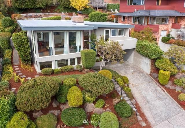 3037 37th Avenue W, Seattle, WA 98199 (#1839804) :: Simmi Real Estate