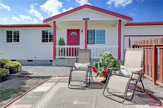 1962 SE Camano Drive, Camano Island, WA 98282 (#1841444) :: Pacific Partners @ Greene Realty