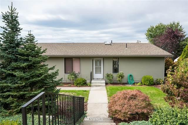 331 23rd Street NE, East Wenatchee, WA 98802 (#1841637) :: Keller Williams Western Realty