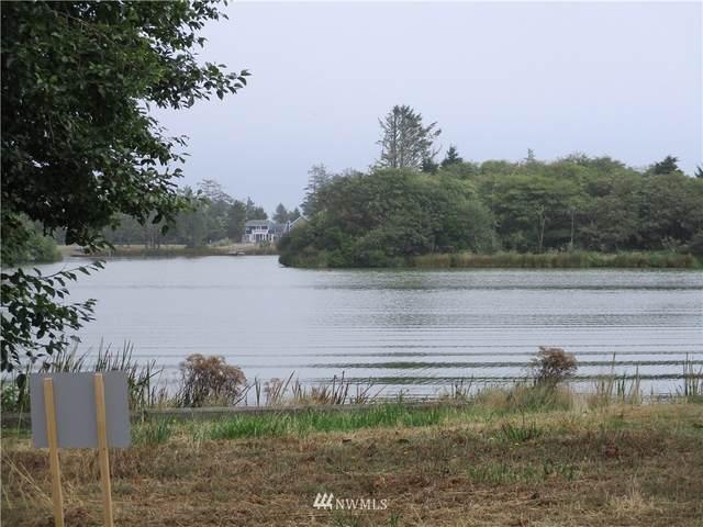 588 Mount Olympus Avenue, Ocean Shores, WA 98569 (#1841654) :: The Kendra Todd Group at Keller Williams