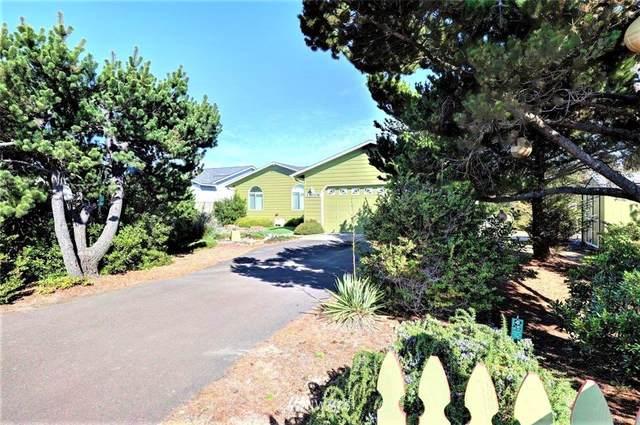 33006 G Place, Ocean Park, WA 98640 (#1841718) :: Keller Williams Western Realty