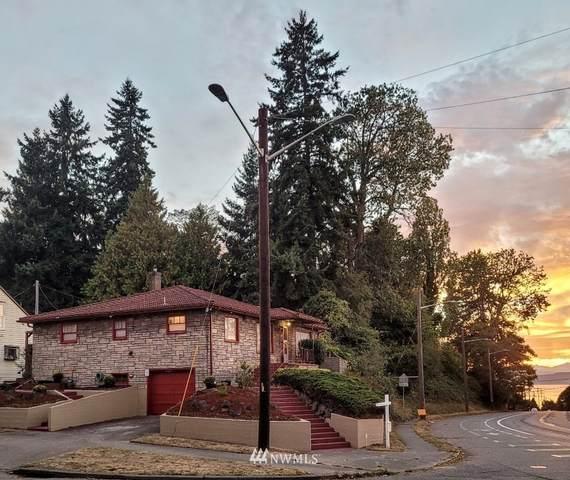 4903 SW Admiral Way, Seattle, WA 98116 (#1841825) :: The Robinett Group