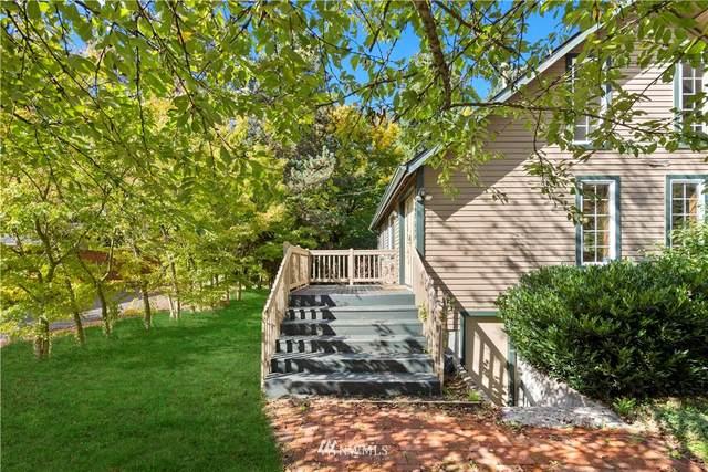 9046 Avondale Road NE, Redmond, WA 98052 (#1842189) :: Icon Real Estate Group