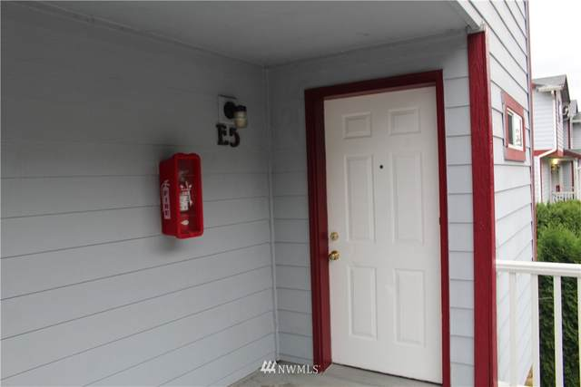 3939 10th Street SE E5, Puyallup, WA 98374 (#1842240) :: Keller Williams Western Realty