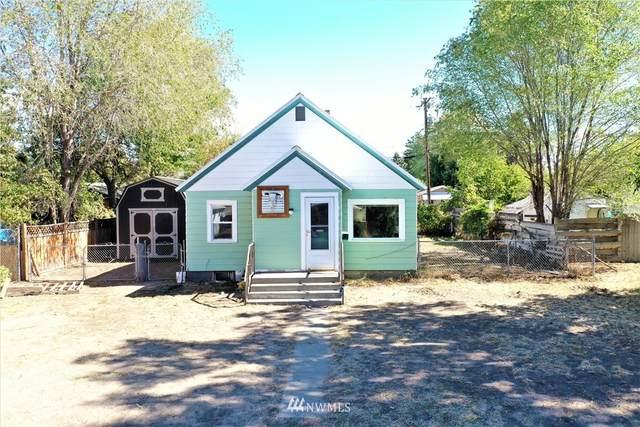 417 S Cedar Street, Omak, WA 98841 (#1842557) :: Franklin Home Team