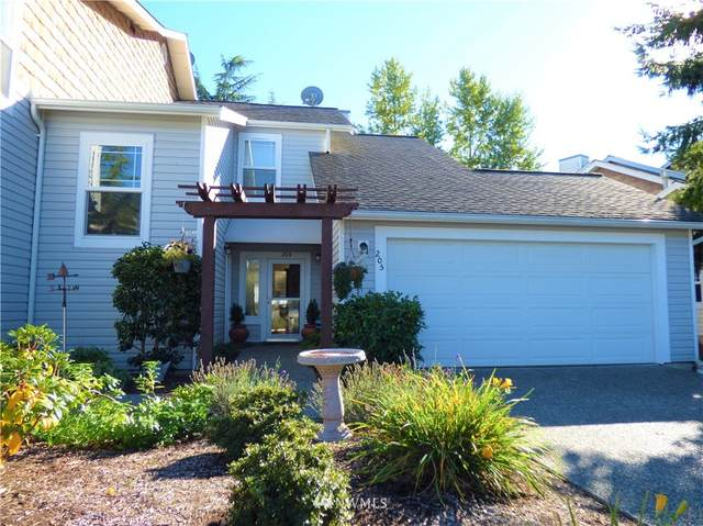 7214 Centerville Court #205, Stanwood, WA 98292 (#1843699) :: The Snow Group