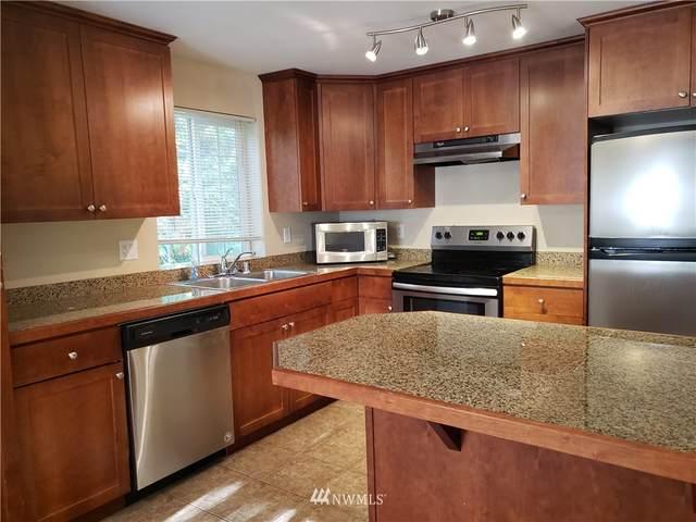 2721 NE 195th Street #10, Lake Forest Park, WA 98155 (#1843821) :: Pickett Street Properties